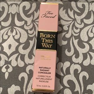 Too Faced Makeup - TOO FACED BORN THIS WAY CONCEALER